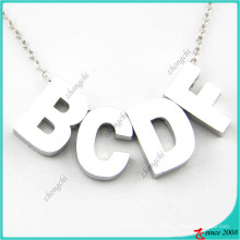 Collier personnalisé à pendentif en lettre minuscule