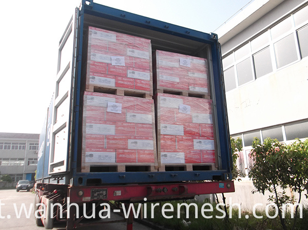container-loading-nails-coil