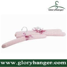 Розовый атласная мягкий Вешалка с Мател крюк