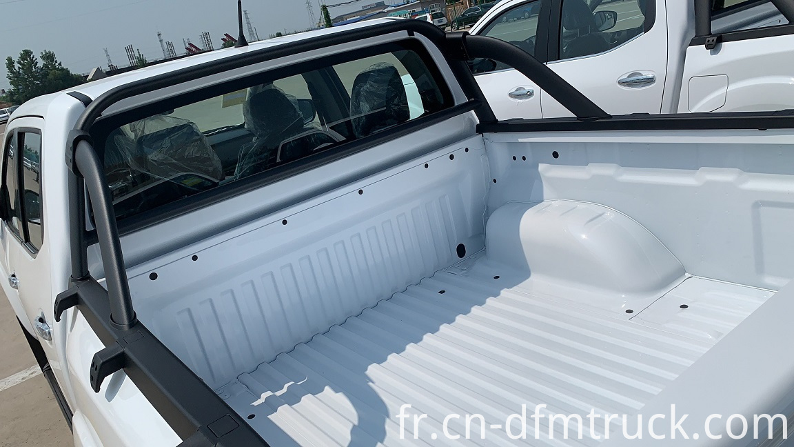 Dongfeng RICH 6 Pickup Truck (1)