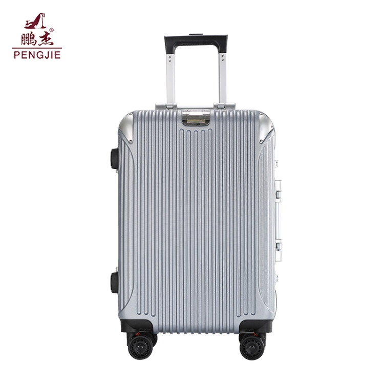 20-24-Black-shiny-polycarbonate-trolley-hardshell (5)