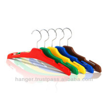 Japanese Durable Plastic Hangers in Five Colors for Hotel Equipment