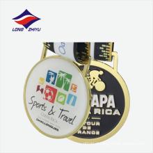 Medalhão de prêmio de ouro plano com medalha de metal