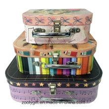 Фантастический бумажный чемодан для подарочной упаковки
