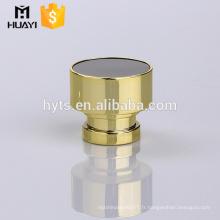 parfum bouchon en plastique or