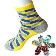 Factory Supplier Wholesale Fashion Leisure Light Colors Men′s Lady′s Socks