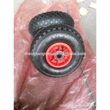 pneu de la roue avec pneumatiques