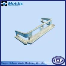 Pièces d'alliage d'aluminium et de zinc à angles multiples