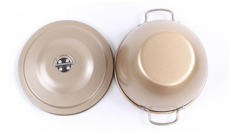 Golden non-stick cake tin with lid12