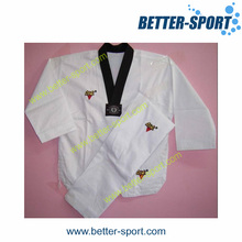 Uniforme des arts martiaux, uniforme du Taekwondo
