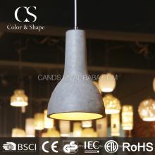 Einfache Form Pendelleuchte Lampe im Esszimmer