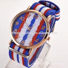 Los relojes al por mayor de la venta al por mayor del platino de Ginebra de la promoción de Alibaba al por mayor
