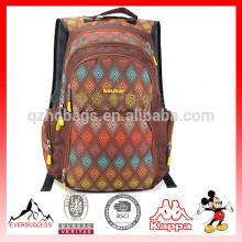 2016 design de moda mochila de lazer adequado para a escola / caminhadas várias cores