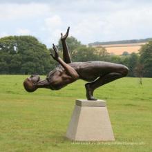 Vida tamanho jardim decoração escultura em metal masculino nude bronze estátuas