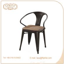 Chine empilable métal armest café Triumph bar chaises de bistrot