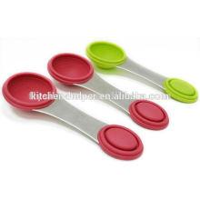 Nuevo producto Fácil de almacenar cuchara de medición de silicona para medir ingredientes secos y líquidos