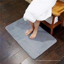sala de estar con espuma de memoria / alfombra de baño