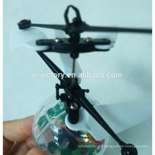 2015 nuevo juguete volar helicóptero rc bola con luces led