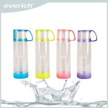Kundenspezifische bunte Tritan Frucht Plastik infuser Flasche