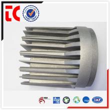 China Radiador de aluminio redondo hecho a la medida del OEM que muerde el bastidor