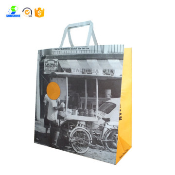 Shopping bag in carta kraft bianca