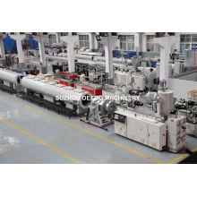 Chaîne de production de tuyau de PVC de PE de pp, ligne en plastique d'extrusion de tuyau