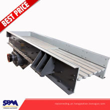 Os alimentadores vibratórios do serie de ZSW com o funil para o preço de venda que pode enviar materiais ao triturador continuamente