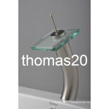 Robinet de bassin cascade en verre à long col contemporain