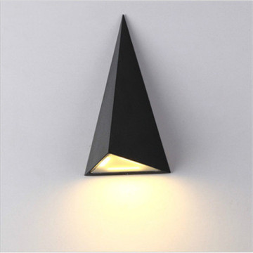 Triangle Feature Black LED - Lámpara de pared para exteriores