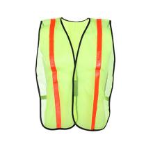 Светоотражающий защитный жилет повышенной видимости для рабочего