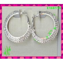 Die neuesten Design Schöne große Drop Ornament Ohrringe, neue weiße C Ohrringe