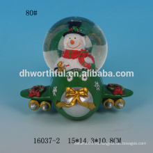 Симпатичный снеговик формы смолы пользовательских снег глобус