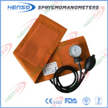 Esfigmomanômetro com estetoscópio