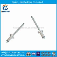 DIN7337 Remaches abiertos con punta abierta de cabeza abierta con mandril de extracción
