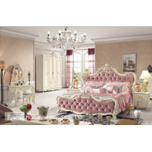High Quality Royal Antique Wooden Carved Bedroom Furniture Set (HF-MG019)