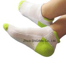 Men Cotton Polyester Knitting Sports Anti-Slip Socks