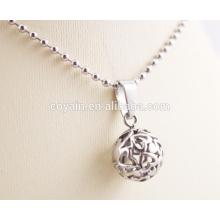 Corte presente para as mulheres Colar de prata Charm por atacado com coração oco-esculpido em colares de pingente de bola