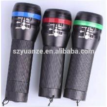 LED Zoom bicicleta lanterna com clip de montagem