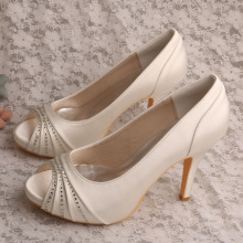 Ivory+Satin+Ladies+Shoes+for+Special+Occasions