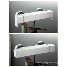 Mezclador moderno de la ducha del latón de la sola manija con buen precio