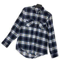 Camisa de franela gris y azul informal de otoño de moda