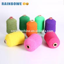 Hilo cubierto de goma de poliéster elástico de colores para calcetines y guantes