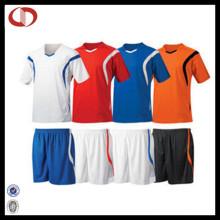 2016 baratos uniformes de futebol personalizado Jersey define novo design para homens
