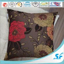 Роскошный чехол на подушку для дивана в ресторане отеля в доме
