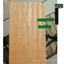Decking composto plástico de madeira do revestimento WPC da estratificação plástica exterior da Co-extrusão