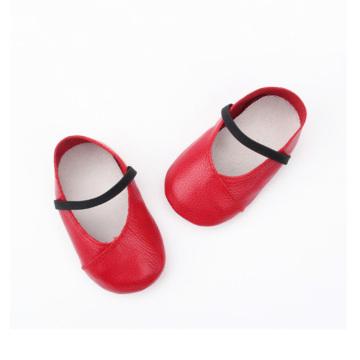 Детские модельные туфли из натуральной кожи с мягкой подошвой
