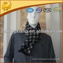 Spätester Entwurf 100% Polyester-Silk Feel Schal gebürsteter Winter-warmer Schal-Polyester für Männer