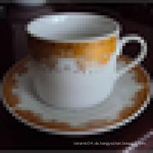 Keramik Tasse und Untertasse Keramik Tee Tasse und Untertasse gesetzt