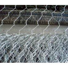Malla de alambre hexagonal revestida de PVC / malla de aves de corral / jaulas de pájaros
