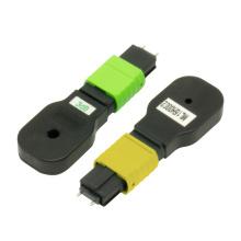 Bouclage de fibre optique MPO pour la connexion réseau